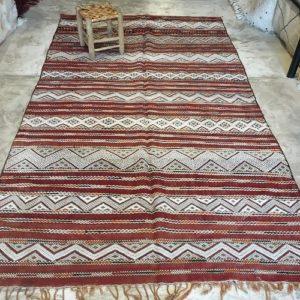 Kilim n°1186 - Kasbah, tapis en laine, tissé, marocain, traditionel, salon contemporain, rouge, motifs berbère, hand woven, marrakech rugs