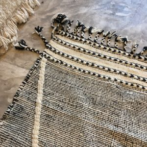 Zanafi N°1193 - Roi blanc, tapis en laine tressé à plat, hand woven in Morocco, rug, deco & design, marrakech artisanat, home