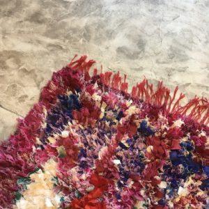 Boucherouite n°2014 - Cardinal, tapis coloré, chutes de coton, modern, déco & design d'intérieur, tableau, marrakech artisanat