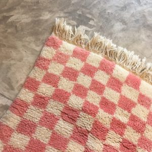 Beni ouarain n2036 - Vichy tapis, deco, marrakech, handmade, rug, morocco, salon, cosy, girly, blanc, rose