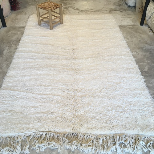 Beni ouarain n2029- White flag, blanc, uni, laine, épais, handmade, knotted, marrakech, morocco rug