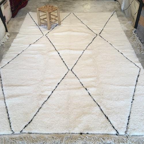Beni ouarain n2042 - Santa cruz, blanc, brodé, laine, épais, handmade, knotted, marrakech, morocco rug