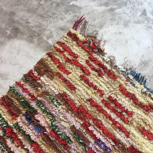 Boucherouite n°891 - Carmin, tapis rouge, berber rug, coton scraps, handmade, descentes de lit, home & deco, room rug, garden deco, enfant, playground