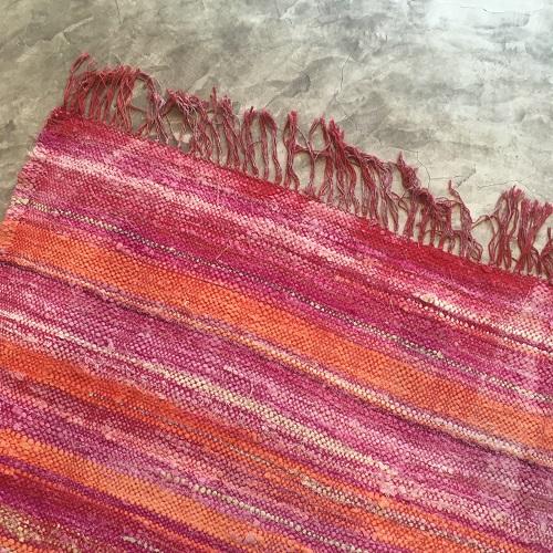 Kilm boucherouite poivron 224 tapis marocain degradés rouge rose