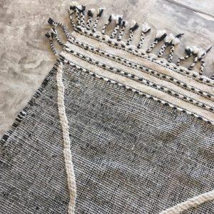 Zanafi N°727 - Roi blanc, tapis en laine tressé à plat, hand woven in Morocco, rug, deco & design, marrakech artisanat, home
