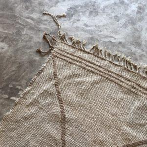 Zanafi N°1002 - Acier, gris métallique, tapis en laine tressé à plat, hand woven in Morocco, rug, deco & design, marrakech artisanat, home