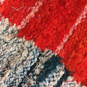 Kilim Boucherouite N°991 - Sanguine, rouge, couleurs vives, tapis en chutes de coton, colored rug, made in morocco, design intérieur, home & deco,