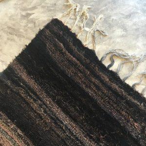 Kilim Boucherouite N°1012 - Cacao, tapis en coton, noir et marron, hall rug, contemporain & modern, interior design, marrakech