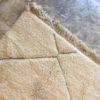 Beni ouarain n1027- Santa cruz, blanc, brodé, laine, épais, handmade, knotted, marrakech, morocco rug