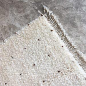 Beni Ouarain N°1024 - Daim, tapis marocain, wool, handmade by berber women, deco & home, design d'intérieur, artisanalement fabrique au maroc, marrakech, blanc et marron