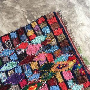 Boucherouite n°1032 - Guggenheim, tapis coloré, chutes de coton, modern, déco & design d'intérieur, tableau, marrakech artisanat