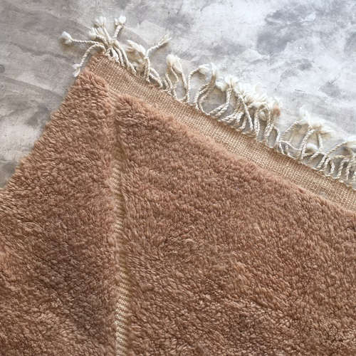 Beni Ouarain n°1056 - Terracotta, tapis marocain, laine, noué, marron, handmade, room rug, contemporain, salon marocain, tapis du montagnes d'atlas, berber handicrafts, soft wool, deco, home design