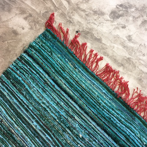 Kilim boucherouite n1081 - Turquoise, bleu, vert d'eau chute de coton, Marrakech, girls