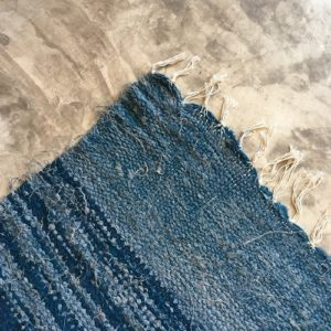 Kilim boucherouite n1087 - Hamac, bleu, gris, blanc, chute de coton, Marrakech, girls