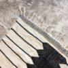Kilim n°1096 - Backgammon, tapis marocain, handmade, blanc et noir, wool, tressé à plat, artisanat du maroc, home, salon moderne, interior design