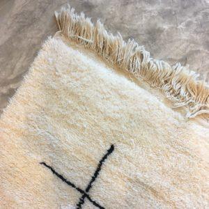 Beni ouarain n1105 - Soduku, blanc, noir, laine, épais, handmade, knotted, marrakech, morocco rug