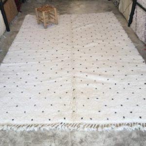 Beni Ouarain N°1156 - Dlamatien, tapis en laine, blanc et noir, handmade in morocco, atlas mountain rugs, deco, home, salon contemporain, artisanat du marrakech
