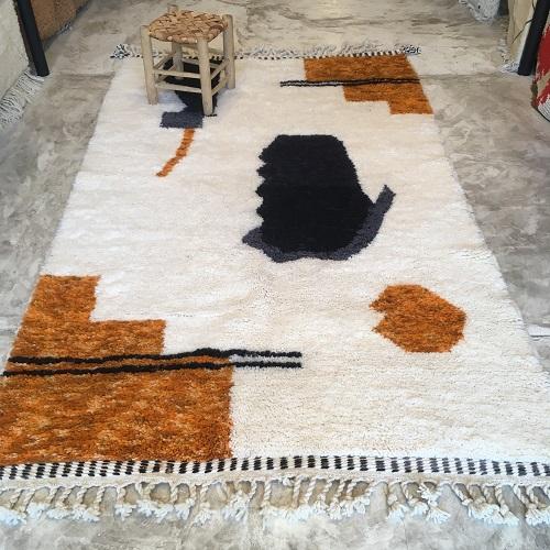 Beni Ouarain n°1169 - Nairobi, tapis marocain, laine, noué, blanc, jaune, gris, handmade, room rug, contemporain, salon marocain, tapis du montagnes d'atlas, berber handicrafts, soft wool, deco, home design