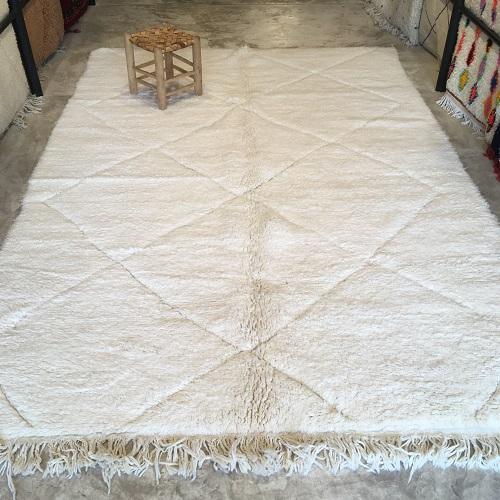 Beni ouarain n1177 - Blanche Neige, blanc, uni, laine, épais, handmade, knotted, marrakech, morocco rug